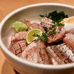 サカナキュイジーヌ・リョウ - 炙り魚3種丼@2,380円:少し寄ってみました。
