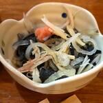 宝山 いわし料理 大松 - お通し(ふぐ皮ポン酢)