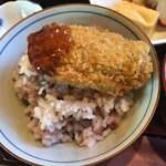 ひいらぎ - 料理写真:ご飯茶碗に入れた浜名湖産牡蠣フライ。大きさが分かるかと?思います(^o^)/