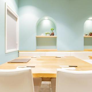 隠れ家的なレストランの雰囲気、様々な用途でご利用頂けます。