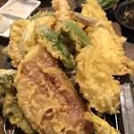 仲買人直営 弥平 - 料理写真:三浦野菜の天ぷら