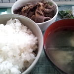 万福食堂 - 肉皿定食(出前) 肉は馬肉の煮付け