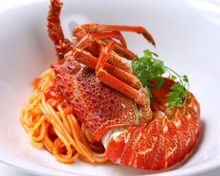 銀座 海老料理&和牛レストラン マダムシュリンプ東京 - 伊勢海老のトマトパスタ
