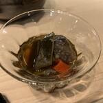 第三春美鮨 - 茶降りした能登の赤海鼠