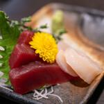 下町天丼 秋光 - 2019.12 お刺身(950円)マグロ赤身とホタテ