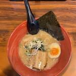 豚骨ラーメン 華香 香西店 - 豚骨醤油ラーメン
