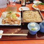 つつじヶ丘カントリー倶楽部 - 生姜焼き、蕎麦御膳