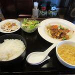 ウエスト 中華麺飯 - 料理写真:暫く待つと注文したスーパイコ定食850円が出来あがって来ました。