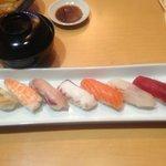 鮨久ちゃん - にぎり(貝汁付き)