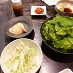 サムギョプサルともつ鍋 おくお - セット