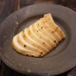 サムギョプサルともつ鍋 おくお - 山芋昆布漬け