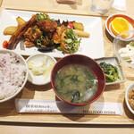 さち福や CAFE - 料理写真:鶏のこんがり黄金唐揚げと温野菜のねぎ香味たれ定食