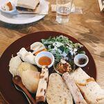 122636102 - パンと吉田牧場のチーズプレート