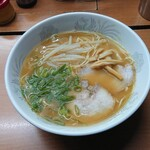 富士さん - 料理写真:ラーメン ¥600