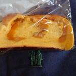 122647803 - カボチャのパン216円