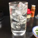 王味 - 焼酎水割り330円
