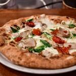 青いナポリ - 【ピッツァランチ@1,300円】スパイスでマリネしたロースト鶏もも肉と九条ネギのピッツァ ポッロ