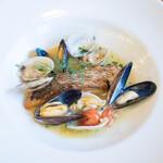 トラットリア クアトロ ラガッツィ - 私は真鯛のアクアパッツアを 美味しかったです