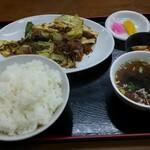 盛楽 - 料理写真:回鍋肉600円+定食200円