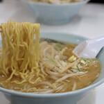 ラーメン芳蘭 - 麺リフト