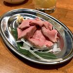 牛タンいろ葉 - *タン刺し(¥699)