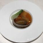 広東料理 台場 楼蘭 - 鮑と冬瓜のオイスターソース煮込み