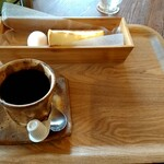 クローバーカフェ - 料理写真:深煎りコーヒーBモーニング 420円+税