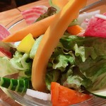 122697212 - 新鮮野菜のにんにくアンチョビソース添え