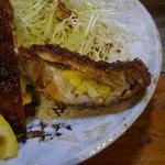 とんかつ 諏訪 - チーズカツの断面