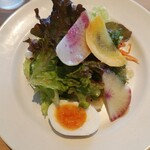 ピッツェリア ウスイ - ほぉ〜シャキシャキのサラダ