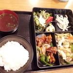 東龍 - 料理写真:八宝菜と酢豚のランチ