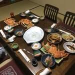 122715352 - 夕食の一部 他にも焼き、酢の物等蟹のオンパレード!                       開高丼は食べきれ無さそうでしたので                       明日の朝の朝食に出して頂きました!!                       写真は以上です。写真撮影してる暇なんか無い(笑)