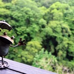 あまてらすの隠れテラス - 蛙の置物