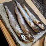 魚と溶岩焼 温 - 柳葉魚