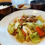 ポパイ - 料理写真:肉野菜炒め定食