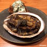122719884 - 黒鮑のバター焼と鮟鱇の唐揚げ