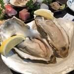 すし居酒屋 樽 - 厚岸産生牡蠣