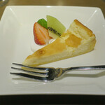 藤沢 日本酒×肉バル 来酒 - 料理写真:デザート 酒粕のチーズケーキ