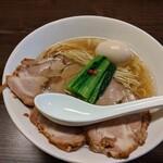 花笑み中華そば かれん - 料理写真:特製塩そば ¥1090