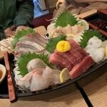 魚の四文屋 - 刺身5点盛り