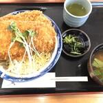 地産レストラン 上里プリンス - 姫豚わらじカツ丼