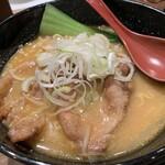 122738628 - 十勝ホエー豚麺…税込1180円