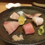 お料理 山乃口 - 刺身盛合せを1人前でつくってくださいました…!ぶりも鰆も水イカも鯖も最高においしかったです、、!