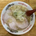 122759511 - 鶏豚骨ラーメン 650円