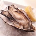 フィッシュ&オイスターバー - 牡蠣の素焼き