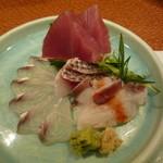 和料理 さうだーで - お造り(鰹、蛸の梅肉添え、鯛、鯒)