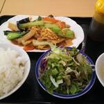122764337 - 肉野菜玉子炒め定食850円