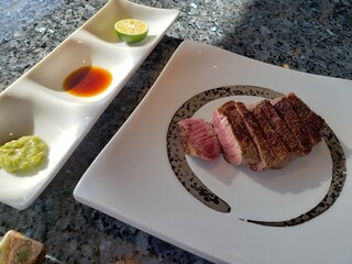 トップ オブ ヨコハマ 鉄板焼&ダイニング - お肉はヒレ、ミディアムレアで