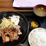 ぽっぽ亭 - から揚げ定食 740円
