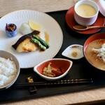 122772095 -  銀鱈西京焼き定食